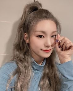 Shared by 맨디. Find images and videos about kpop, itzy and yeji on We Heart It - the app to get lost in what you love. Kpop Girl Groups, Korean Girl Groups, Kpop Girls, Kpop Aesthetic, New Girl, Pretty Woman, Cool Girl, Hairstyle, Fancy