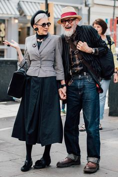Men& fashion week in London- Männermodewoche in London Street style in every age - Fashion Couple, Look Fashion, Street Fashion, Womens Fashion, Fashion Tips, Fashion Trends, Ladies Fashion, Mature Mens Fashion, Fashion Ideas