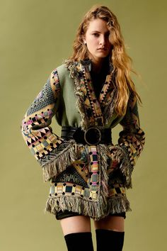Etro Resort 2020 Fashion Show Collection: See the complete Etro Resort 2020 collection. Look 39 Vogue Fashion, Fashion Week, Fashion Pants, Runway Fashion, Boho Fashion, High Fashion, Fashion Outfits, Fashion Design, Boho Autumn Fashion