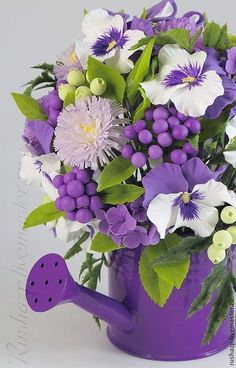 Excellent Arrangements And Bouquets Ideas With Easter Flowers - Easter--regarded as one of the most important religious feasts in the year--is marked by fun, togetherness and love. Feasts, get-togethers, and prayer. Easter Flowers, Diy Flowers, Purple Flowers, Beautiful Flowers, Orchid Flowers, Cactus Flower, Yellow Roses, Pink Roses, Purple Flower Arrangements