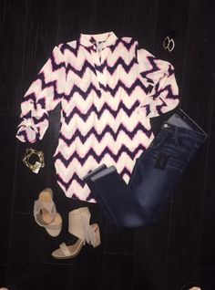 Zig Zag Printed Top w/ Roll Up Sleeve