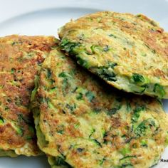 Savory green onion and zucchini fritters (uses nut flour--almond,etc. try sunflower or coconut instead? Scd Recipes, Banting Recipes, Low Carb Recipes, Real Food Recipes, Cooking Recipes, Yummy Food, Healthy Recipes, Easy Recipes, Cornbread Cake