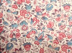前回、ヨーロッパ更紗の産地の特定の難しさについて書きました。 今日のこの更紗はイギリスのものと特定できるタイプのものです。 何故でしょうか・・・  ...