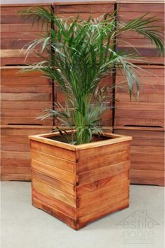 Wooden Pallet Projects, Wooden Pallets, Diy Planters, Planter Pots, Wooden Planter Boxes, Flower Pots, Flowers, Things To Do, Woodworking