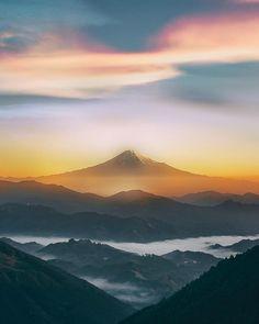 東京カメラ部 New:Shunto Sato Beautiful Sites, Beautiful Places, Beautiful Pictures, Japanese Mountains, Monte Fuji, Japanese Artwork, Pretty Images, Japan Photo, Walking In Nature
