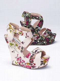 Steve Madden Floral Wedge Sandal