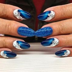 Best Art Designs For Dark Blue Nails The Effective Pictures We Offer You About chrome nails A quality picture can tell you many things. You can find the most beautiful pictures that can be presented to you about neutral nails in this account. Classy Nails, Fancy Nails, Trendy Nails, Dark Blue Nails, Bright Nail Art, Nail Art Blue, Nagellack Design, Cat Eye Nails, Manicure E Pedicure