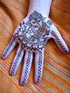 Ganesha-Tattoo-hand.jpg (300×400)