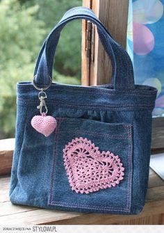 jeansowa torebka serce na Stylowi.pl jeansowa torebka serce na Stylowi. Denim Tote Bags, Denim Handbags, Denim Purse, Cheap Handbags, Luxury Handbags, Artisanats Denim, Blue Jean Purses, Bow Bag, Diy Bags Purses