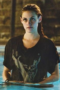 Kristen Stewart in Adventureland Kristen Stewart Fan, Kristen Stewart Pictures, Kristen Stewart Movies, Kirsten Stewart, Adventureland Movie, Androgynous Girls, Jodie Foster, Princess Kate, Twilight Saga