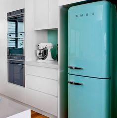¿PIENSAS EN COMPRAR UN REFRIGERADOR NUEVO?  1. Revisa la etiqueta de eficiencia energética, que cumpla con la Norma Oficial Mexicana. 2. Refrigeradores con deshielo automático consumen 12% más de electricidad y eso significa mayor gasto.