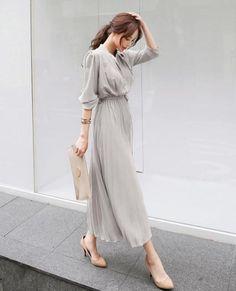 Vestidos Vintage, Vintage Dresses, Office Dresses, Look Fashion, Ideias Fashion, Fashion Dresses, Bodycon Dress, Clothes For Women, Pleated Dresses