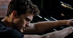 """""""A ideia de que outra pessoa possa possuir você é como uma faca perfurando minha alma negra."""" —  Christian Grey."""