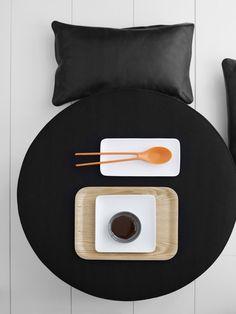 Black, White & Tangerine sushi style at home PHOTO © @MarjonVorstin