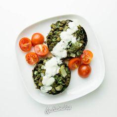 Dietetyczne pieczarki faszerowane soczewicą i nie tylko ⋆ AgaMaSmaka - żyj i jedz zdrowo! Cobb Salad, Food, Essen, Meals, Yemek, Eten