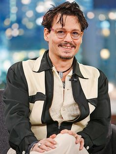 Johnny Depp to Play Guitar on 'Lost' Bob Dylan Song Johnny Depp News, Young Johnny Depp, Johnny Depp Movies, Johnny Depp's Daughter, Bob Dylan Songs, John Depp, The Hollywood Vampires, Johnny Depp Pictures, Get Movies