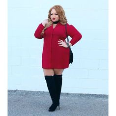 """251 Me gusta, 4 comentarios - The Curvy Fashionista (@thecurvyfashionista) en Instagram: """"These high knee boots are everything! I see you @Reignofchic!  Could you? Would you? Have you?…"""""""