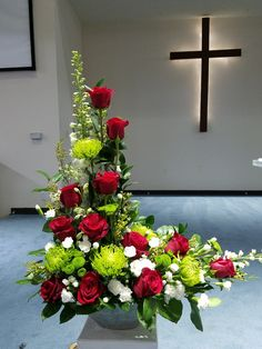 Pin by Lena Pang on Flower Arrangement . Contemporary Flower Arrangements, Creative Flower Arrangements, Funeral Flower Arrangements, Church Flower Arrangements, Beautiful Flower Arrangements, Floral Arrangements, Beautiful Flowers, Deco Floral, Arte Floral