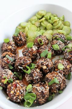Check it out! New Recipes, Vegetarian Recipes, Vegan Protein, Dumplings, Main Dishes, Food And Drink, Asian, Vegetables, Cooking