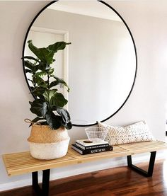 Crushing so much on this oversized mirror - need one! Image via @megtimjakebay