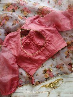 Cutwork Blouse Designs, Fancy Blouse Designs, Bridal Blouse Designs, Blouse Patterns, Saree Blouse Designs, Indian Blouse, Indian Sarees, Indian Wear, Bridal Silk Saree