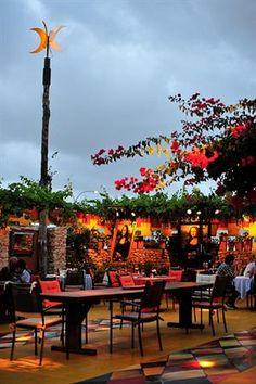 A magical place to spend a long evening... Las Dos Lunas, San Rafael, Ibiza, Spain