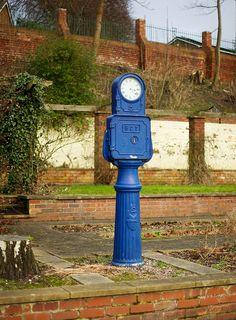 Bundy Clock, Walsall Arboretum Autumn Animals, Walsall, Birmingham Uk, West Midlands, Old Town, Sculptures, 1, Clock, British Isles