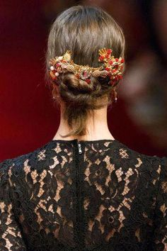 Best Spring 2015 Runway Hair Trends - Top Hairstyles For Spring #NaturalHairCare #HairGrowthShampoo 2015 Hairstyles, Spring Hairstyles, Wedding Hairstyles, Medium Hairstyles, Hair Styles 2016, Long Hair Styles, Hair Trends 2015, Hair 2015, Alexander Mcqueen