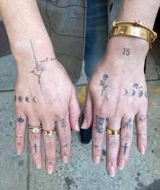 Hand And Finger Tattoos, Love Finger Tattoo, Thumb Tattoos, Finger Tattoo For Women, Red Ink Tattoos, Hand Tattoos For Women, Finger Tats, Sleeve Tattoos For Women, Mini Tattoos