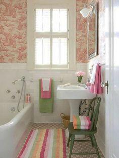Un diseño de baño femenino, colorido y con un toque de frescura primaveral.