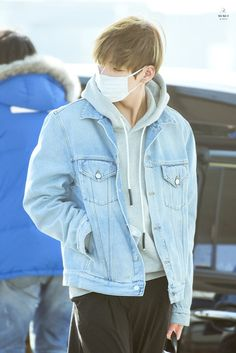 Kim Taehyung ♡ all he's doing is walking and it makes me happy just to see him ^^ I can't explain this feeling
