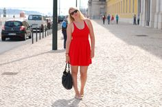 Outfit: red ASOS dress, Ray-ban wayfare sunglasses and Marc by Marc Jacobs bag