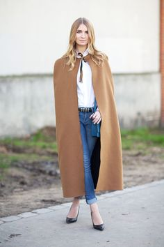 Paris Fashion Week, Fall/Winter 2014-2015 - outfit - streetstyle - Valentino Cape