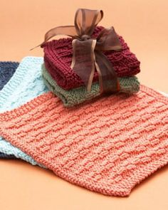 Show your gratitude to gracious hostesses (or hosts) this holiday season with these lovely dishcloths. Shown in Lily Sugar'n Cream.
