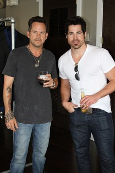 A good look at Gary Allan's arm/hand tattoo (pictured with JT Hodges)