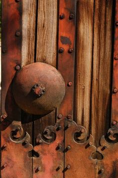 """ Old door of a Japanese castle. (via Old door of a Japanese castle. Rust Never Sleeps, Japanese Castle, Rust In Peace, Door Detail, Knobs And Knockers, Peeling Paint, Rusty Metal, Old Doors, Textures Patterns"