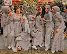 New Casual Bridesmaid Dress With Converse 25 Ideas Hijab Gown, Kebaya Hijab, Hijab Dress Party, Hijab Style Dress, Kebaya Dress, Kebaya Muslim, Muslim Dress, Muslimah Wedding Dress, Hijab Wedding Dresses