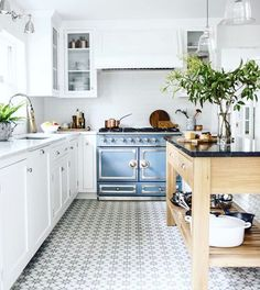 Creative Tips: Small Kitchen Remodel Split Level kitchen remodel cost projects.Small Kitchen Remodel Split Level white kitchen remodel home tours. Kitchen Ikea, Kitchen Flooring, New Kitchen, Kitchen Backsplash, Stylish Kitchen, Backsplash Ideas, Tile Ideas, Awesome Kitchen, Kitchen Gadgets