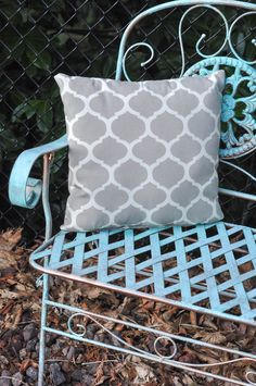 Hometalk :: Creating a Blue Patina With Paint!