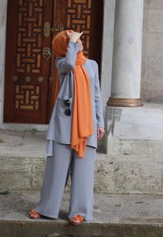 Genç Tesettür Modest Fashion Hijab, Modern Hijab Fashion, Hijab Fashion Inspiration, Hijab Chic, Abaya Fashion, Casual Hijab Outfit, Fashion Outfits, Iranian Women Fashion, Islamic Fashion
