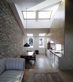 Gallery of Cratlach Mews House / DUA - 1