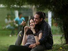 13 Cara Membuat Agar Pacar Merasa Istimewa   IDFree Couple Photos, Couples, Tips, Couple Photography, Couple, Romantic Couples, Couple Pics, Hacks