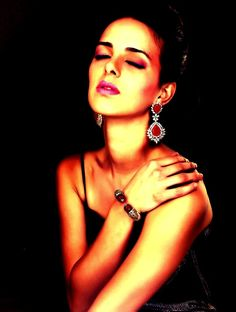 High-End Silver jewellery with Swarovski made cubic zirconia stones, Austrian cut crystals, semi-precious stones and pearls. Franchise Business, Silver Jewellery, Business Opportunities, Costume Jewelry, Opportunity, Swarovski, Stones, Retail, Jewels