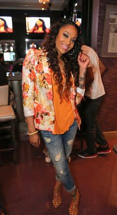 _Mimi-Faust's-Love-and-Hip-Hop-Atlanta-Viewing-Party-Zara-Piqué-Floral-Blazer