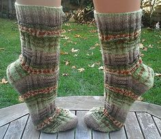 Surprise by Birgit Ka - free Knitting Patterns Free, Free Knitting, Free Pattern, Knitting Socks, Leg Warmers, Ravelry, Crochet, Projects To Try, Slippers