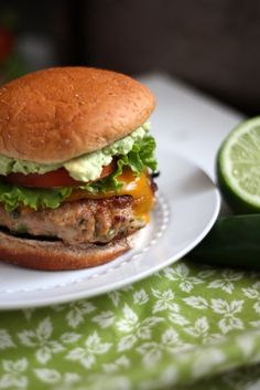 Jalapeno Turkey Burgers with Cheddar & Guacamole - Previous pinner said: I used ground turkey, which made 6 small burgers, half of a jalapeño, omitted cilantro & bread crumbs. I also used a cast iron skillet for the first time - I'm never going back! Portobello, Chipotle, Turkey Recipes, Dinner Recipes, Tofu, Cilantro, Burger King, All Bran, Bbq