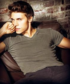 Yeah Ladies, there he is! Nolan Gerard Funk a.k.a. Colin in Awkward. He's there to shake somethings up. Jenna, Colin and Matty = AWKWARD.