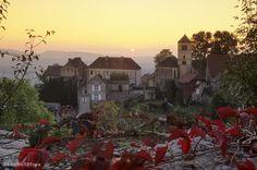 Château-Chalon en automne : c'est magique | Photo Stéphane Godin/Jura Tourisme | Jura, France | #JuraTourisme