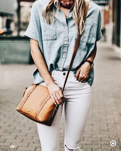20 Simple And Casual Street Style Oversize White Jeans Ideas - Fashionable Womens Fashion Casual Summer, Office Fashion Women, Womens Fashion For Work, Fashion Edgy, Cheap Fashion, Glam Dresses, Women's Fashion Dresses, Satin Dresses, Casual Street Style