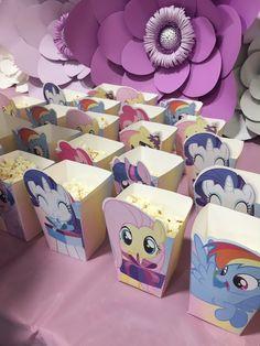 Mlp popcorn holder